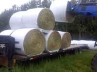 Premium Timothy Hay / round bales for sale. 750 lbs