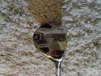 Titleist 909F2 3wood in like new condition. Has