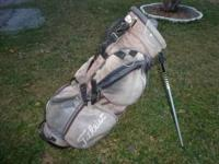 Hello.......up for sale is a used Titleist golf bag. It
