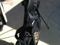 TITLEIST X67 STAND BAG IT IS LIKE NEW. THIS BAG HAS THE