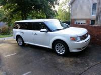 GREAT CONDITION 2011 FORD FLEX SEL SEATS 7 BEAUTIFUL