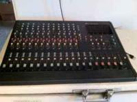 CX-124 Mixing Console, Many Features. Needs a cleaning,