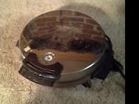 Toastmaster Waffle Baker #442 there is a little rust on
