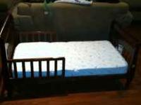 Toddler bed with matress. Bed is in good condition-