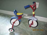 TODDLER BIKE WITH TRAINING WHEELS BY RADIO FLYER LIKE