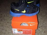 Toddler boys shoes  Size 7 - $15 - Nike Dual Fusion