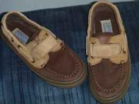 toddler sperry top siders size 9 1/2 $10   Location: