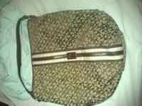 Brown Tommy Hilfiger purse. Near perfect condition from