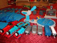 Tomy Thomas 120- Pieces Assorted Train Tracks &
