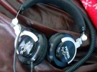 Headphones are in like new condition,have been seldom