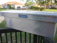 I am selling a commercial grade Kobalt tool box, will