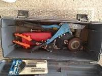 Toolbox with lift out tray, to carry to job where