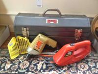 Simmonds metal tool box, very good condition. Hack saw,