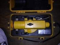 Topcon AT-F2 Engineers Grade Auto-Level. Comes with