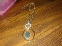 Beautiful Tori Spelling Necklace - can wear multiply