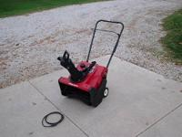 Toro CCR1000E Snowblower with electric start. Brand new