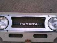 Toyota front grill with lights. Toyota 1977 FJ-40 Land