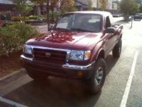 Selling: Year 2000 Toyota Tacoma Extra Cab. 4x4 4cyl