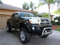 THIS DOUBLE CAB PRERUNNER LOOKS FANTASTIC INSIDE AND