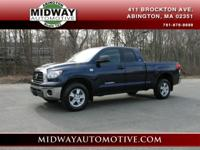 ***CLEAN CARFAX !!!!!!!!! This Tundra has less than 67k