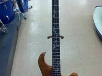 Traben Phoenix 4 string ideal handed Bass guitar for