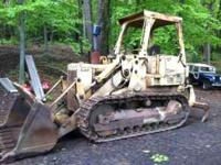 We have for sale a Cat 955L track excavator for sale.