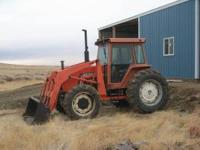 6080 Allis Chalmers Tractor with loader, Front whell