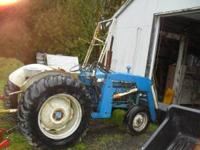 ford 3000 tractor 2 wheel drive diesel like new loader