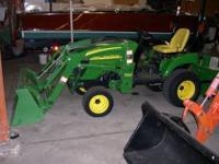 Tractor John Deere 2305 2006 24 hp., 4WD, HYDRO trans.,