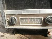 antique tractor radio am/fm. pos ground or neg. works