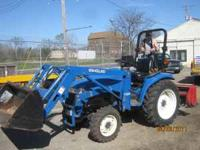 New Holland 2000 tractor loader, one owner, TC29D,