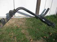 Trailer-hitch bike rack for 4 bikes, locks to the hitch