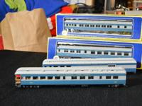 Here we have 2 sets of AHM vintage HO Pullman,