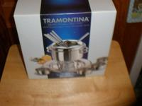 Tramontina 14 pc fondue set brand new in box Mirror
