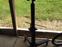 0.5 Ton Hydraulic Transmission Jack $150, cash Call for