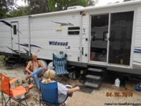 2008 Wildwood LE, 37' Travel Camper. 2 Bedrooms,