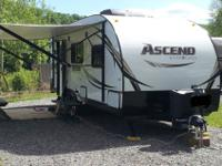 Beautiful 2014 A231rkb, 23ft travel trailer with slide.