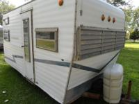 Total of 4 old travel trailers 15 to 17 foot will make