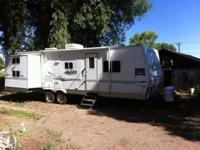 2006 Aljo 28ft. 2 slide outs, bunk beds, queen bed