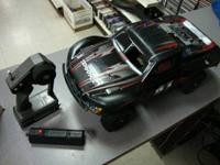 Traxxas Slash Nitro Rally Truck, has the 3.3 motor and