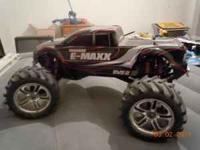 ADULT OWNED RTR E-MAXX 4 WHEEL DRIVE WATERPROOF.2
