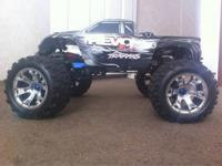 Traxxas Revo 3.3 for sale. Gas powered. 60+ mph. 4WD.