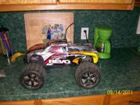 Traxxas Revo - Runs good, no remote, no starter (these