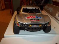 Great condition Traxxas Slash 4x4. Comes with remote, 2