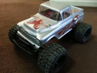 Selling my Traxxas 4x4 brushless stampede. * Does not