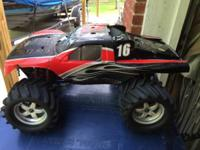 This is a Traxxas T-MAXX with a 2.5 r racing motor. The