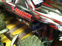 FOR SALE TRAXXAS MONSTER TRUCK TMAXX 3.3  4x4 monster