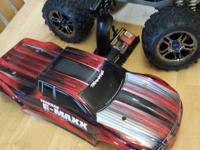Traxxus E Maxx brushless. In Excellent shape. Only had