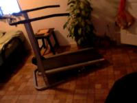Great xmas gift like new manual treadmill get in those