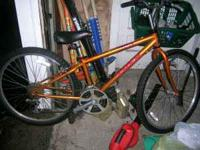 Nice orange color Trek 820 in size small. Ready to go.